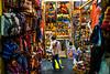 Guatemala : tienda de recuerdos en antigua - Turismo / Guatemala : Tourism / Guatemala : Tourismus © Tito Herrera/LATINPHOTO.org