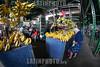 Venezuela : Mercado Municipal de San Martin / San Martin Municipal Market in Caracas / Venezuela : Zentralmarkt in Caracas - Früchte und Gemüse - Markt - Versorgung - Marktstand mit Bananen © Alexander Sánchez/LATINPHOTO.org