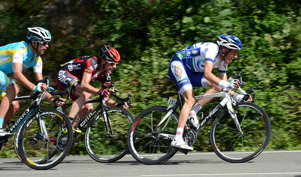 Cadel Evans has slipped into a late escape with Jerome Coppel and Andrey Kasheschkin...