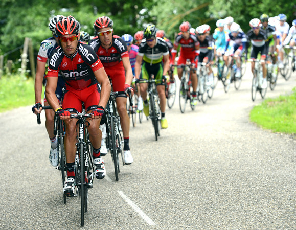 The peloton has stirred now, and it's BMC's Manuel Quinziato who leads the chase...
