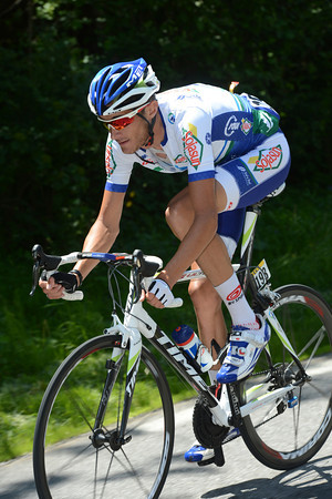 Feillu has gone off alone from the escape and approaches the Col de la Joux-Plane with 90-seconds in-hand...