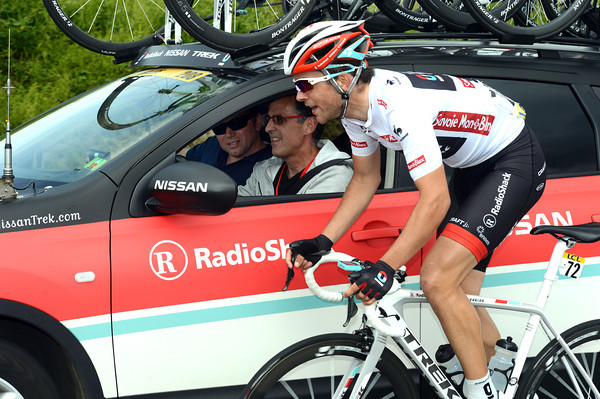 Tony Gallopin chats to his uncle, Alain Gallopin, and Johan Bruyneel...