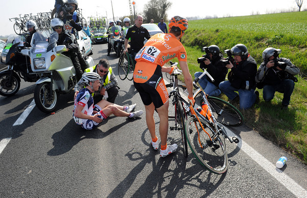 Frederik Robert and Ricardo Ambroa have also been injured in this crash...