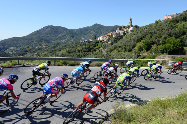 The peloton is climbing and descending in Cinque Terre, happy to see the escape go away it seems...