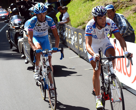 One more mountain later sees Casar and Pirazzi still ahead, but by one minute less...