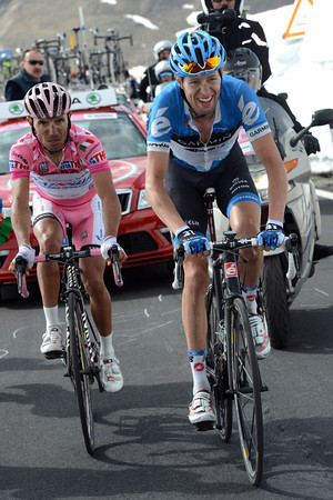Hesjedal and Rodriguez duel it out in the last kilometre...