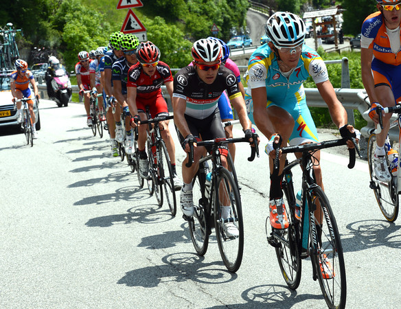 Kreuziger leads the big escape away, but their gain is only about four minutes after 80-kilometres of racing...