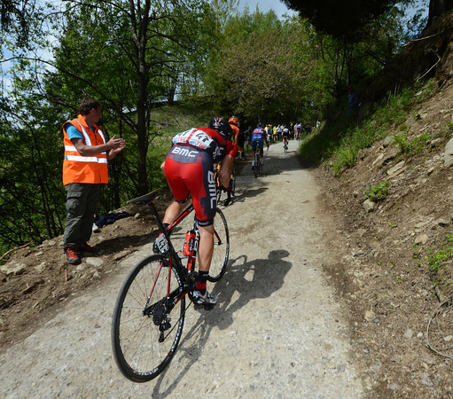 A BMC rider fights the incline with the car now removed...