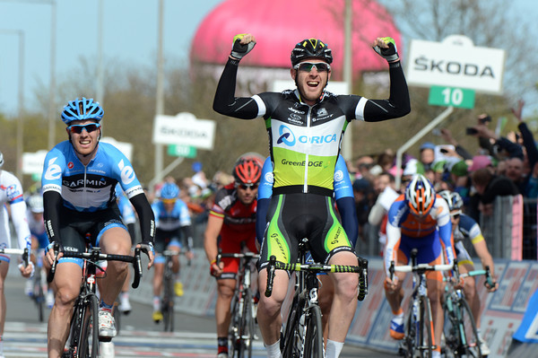 Matthew Goss wins stage three of the Giro from Farrar and Haedo...