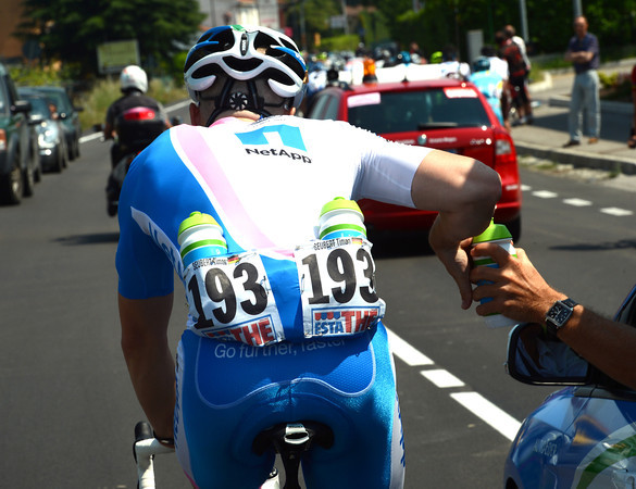 Timon Seubert is busy collecting water bottles for his Net App teamates...