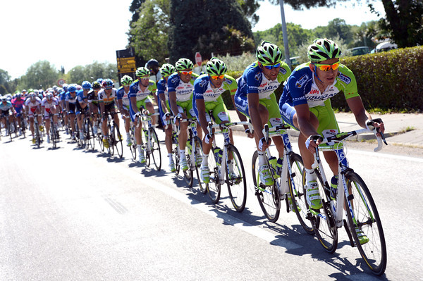Liquigas is chasing, that's official - but not too hard..!