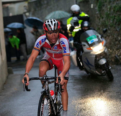 Rodriguez has attacked in the last 100-metres of the climb..!