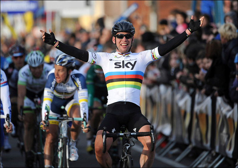 Mark Cavendish wins the 2012 Kuurne-Brussels-Kuurne..!