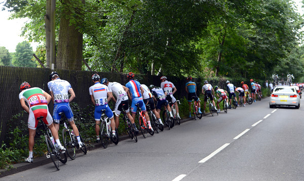 There's relief at last for the peloton after a spectator-packed passage from London to Putney...