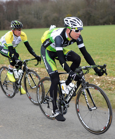 Matthew Wilson seems more than interested in sheltering Simon Gerrans - is their a Green Edge plan today..?