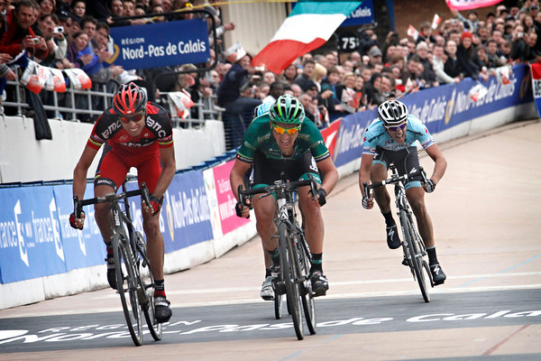 "Turgot sprints it out with Ballan in Roubaix - but they are 1' 39"" down on the winner..!"
