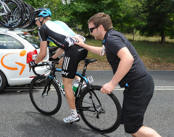 Edvald Boasson Hagen makes a quick pit-stop, but there's no need to rush back...