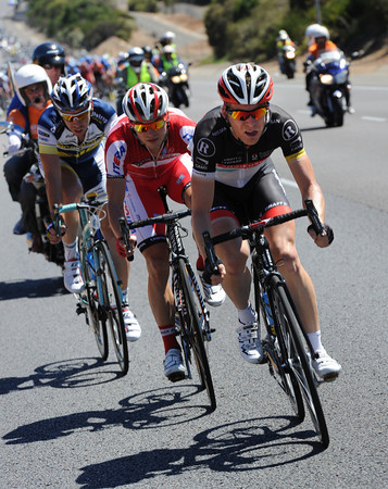 Muravyev's discomfort at the back stems from an attack at the front by Jan Bakelandts...