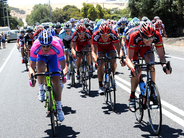 Alessandros Petacchi and Ballan set about catching the quartet and breaking the peloton apart in the crosswinds...