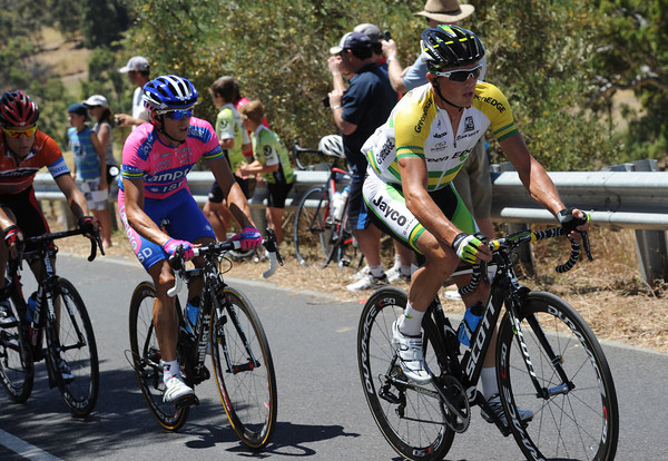 Gerrans leads Matthew Lloyd and Kohler - will the sequence be the same on the final ascent too..?