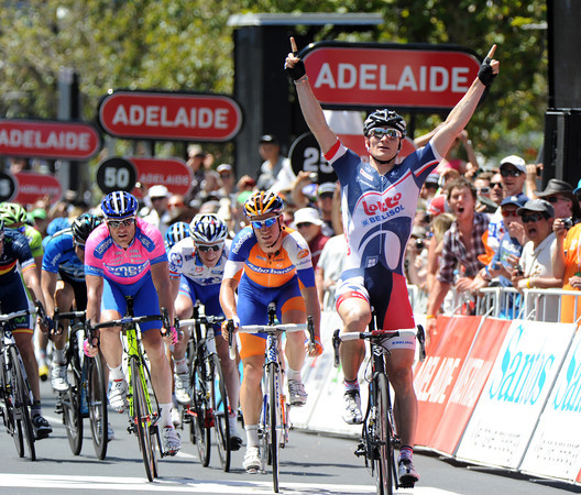 Andre Greipel wins stage six from Renshaw and Petacchi after Meyer was caught on the last lap...