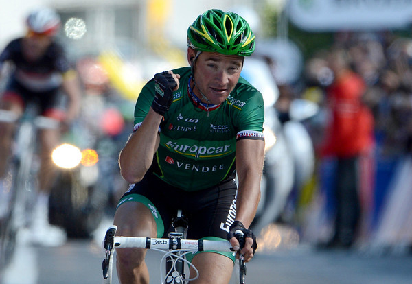 Thomas Voeckler wins stage ten after Voigt caught and then attacked the escape...