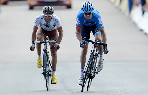 It's Millar against Peraud after the pair attacked in the last kilometres...