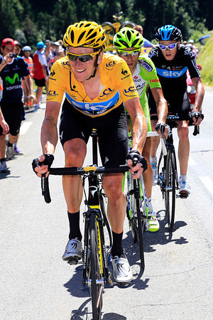 Wiggins reacts by chasing Nibali down and turning the pressure on the Italian...