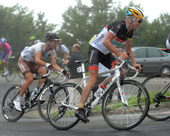 Chris Horner and Nicolas Roche's seem to be struggling already to keep pace with the Sky duo...
