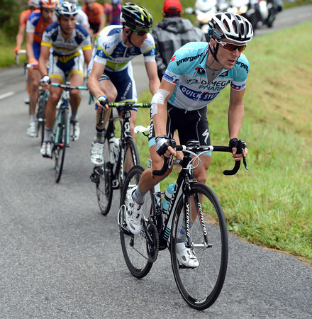 A counter-attack is led by Levi Leipheimer - they'll catch the leaders before the second ascent of the day...