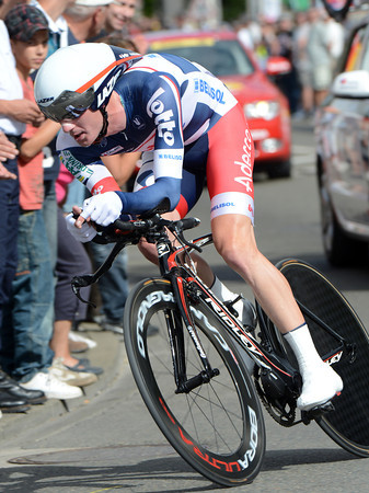 "Jurgen Van Den Broeck takes 4th overall, after takling 27th at 4' 42"" today..."