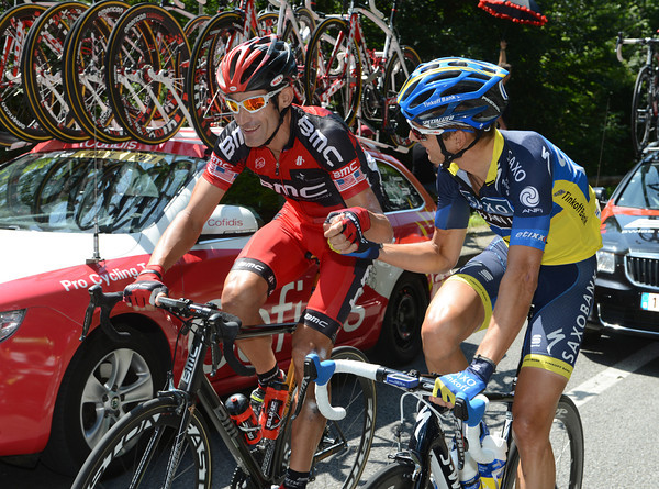 """""""Congratulations"""" - George Hincapie gets a farewell handshake from Karsten Kroon on the last day of his 17th Tour de France..."""