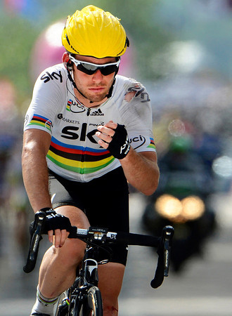 Cavendish crosses the line many minutes later after that crash - he now lies 60 points behind Sagan in the battle for the Green Jersey...