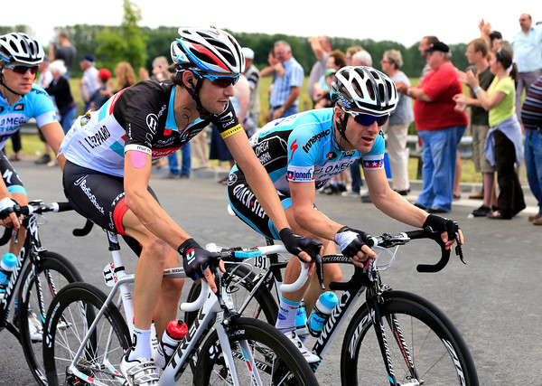 Frank Schleck and Levi Leipheimer are in deep discussion too...