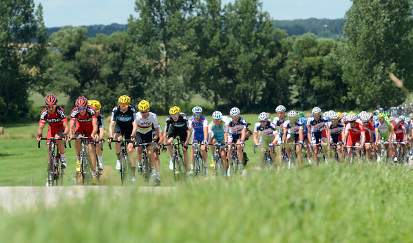 BMC and Sky are starting to chase after about 60-kilometres - this is a new-look Tour de France stage..!