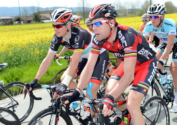 Cadel Evans finds the time to chat with Jacob Fuglsang...