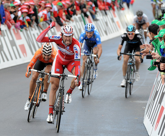 Vladimir Isaichev wins stage five into Gansingen - the peloton finishes eleven minutes later..!