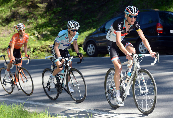 Frank Schleck has suddenly pulled away with Leipheimer and Nieve...