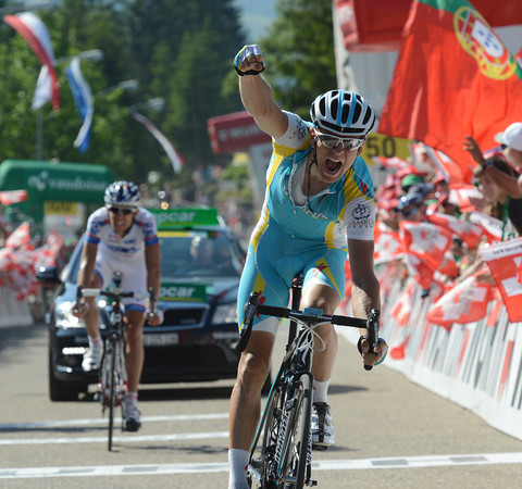 Tanel Kangert wins the last stage of the Tour de Suisse into Sorenberg