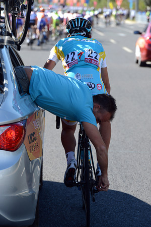 Francesco Gavazzi is more interested in getting his bike fixed at the moment...