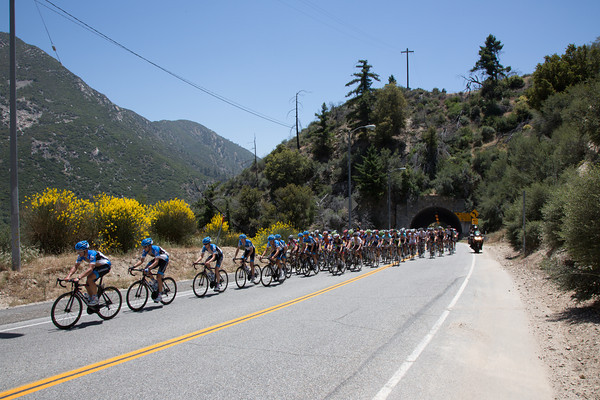 The peloton is thinning a bit too... this will be a long day for some.