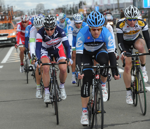Farrar propels the escape towards the first ascent of the Oude Kwaremont - they still posess a four-minute lead...