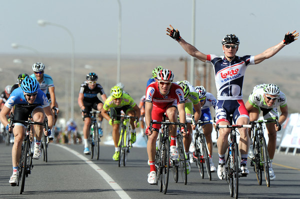 Andre Greipel wins stage one into Wadi al Huwquayn, just ahead of Farrar and Galmzyanov...