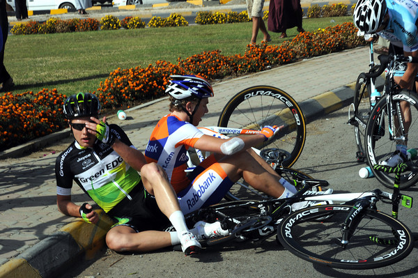 Sebastian Langeveld and Coen Vermeltfoort have hit the kerb hard, but they'll recover and re-join the race...