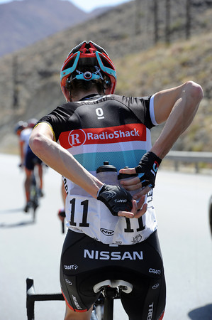 Wow! Andy Schleck is water-boy de-luxe for Radio Shack as the temperatures rise...
