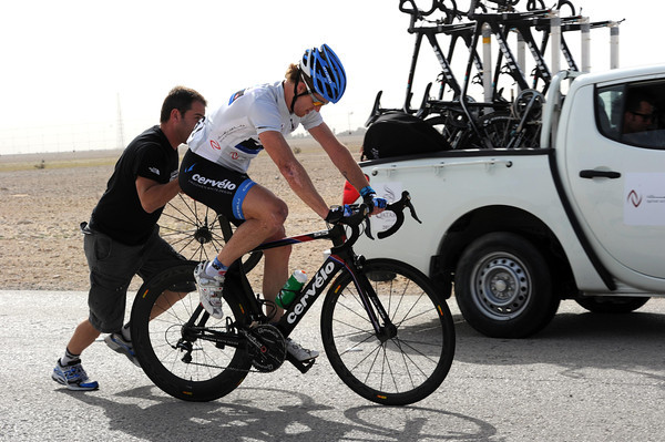 The peloton settles down again - so time for Farrar to make his bike-change...