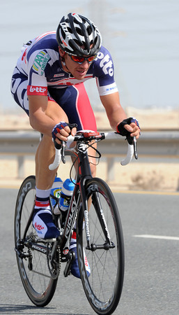 Adam Hansen has taken leave of his senses and attacked - he'll build a six-minute lead into the headwind..!