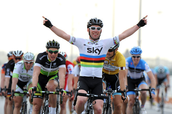 Mark Cavendish wins stage three - it is his first victory as the reigning World Champion..!