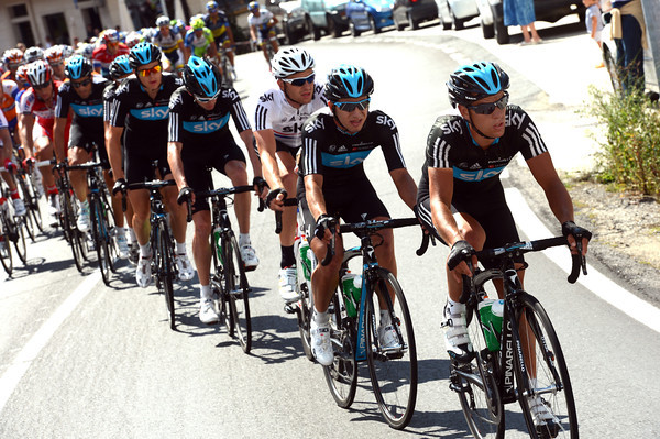 Richie Porte is lending his support for Team Sky, the gap starts to come down...