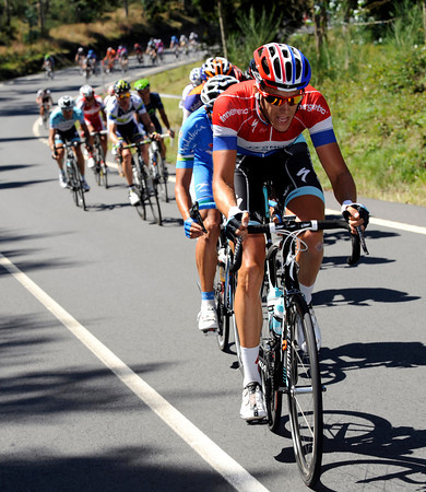 Niki Terpstra starts another attack..!